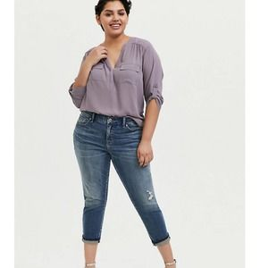 NWT Torrid   Mid-Rise Straight Distressed Jeans